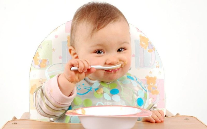 Right Time for Weaning Foods to Indian Babies